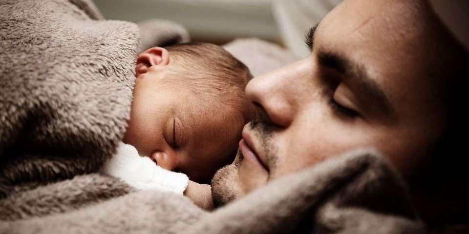 L'ADN des bébés pourrait être modifié par… les câlins
