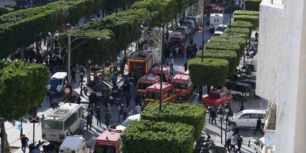 Tunis : une femme se fait exploser sur l'avenue Bourguiba, neuf blessés